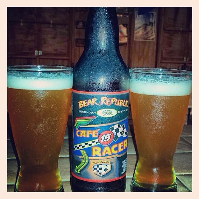 Café Racer 15 de Bear Republic vía @aibonitobeergarden en Instagram