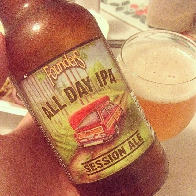 Founders All Day IPA vía @rafaeluzzi en Instagram