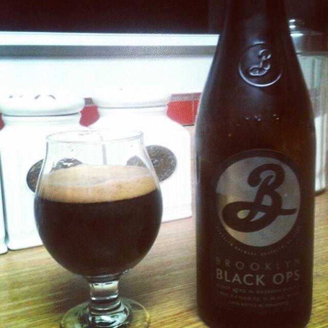 Brooklyn Black Ops vía @jsantiagomurphy en Instagram