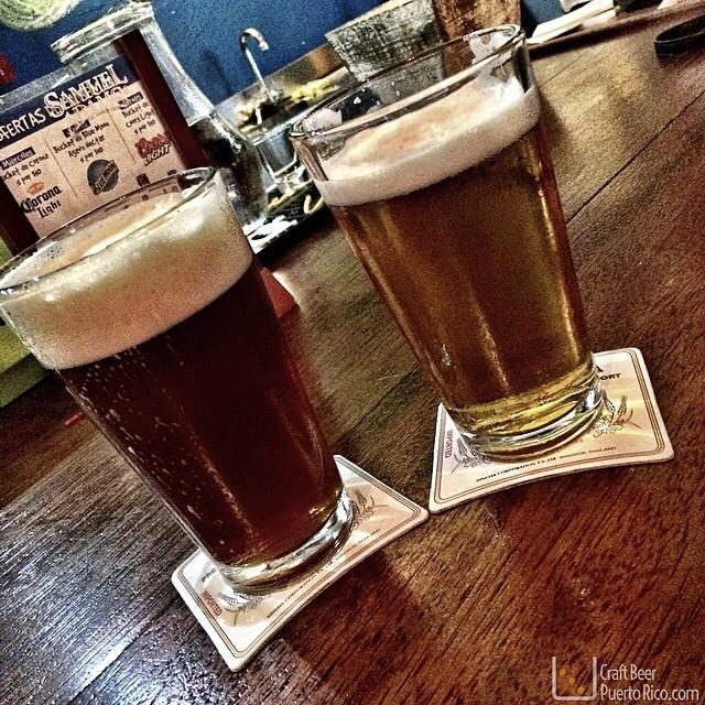 Porta Coeli Amber Ale (izq) y Blonde Ale (der) de Boquerón Brewing