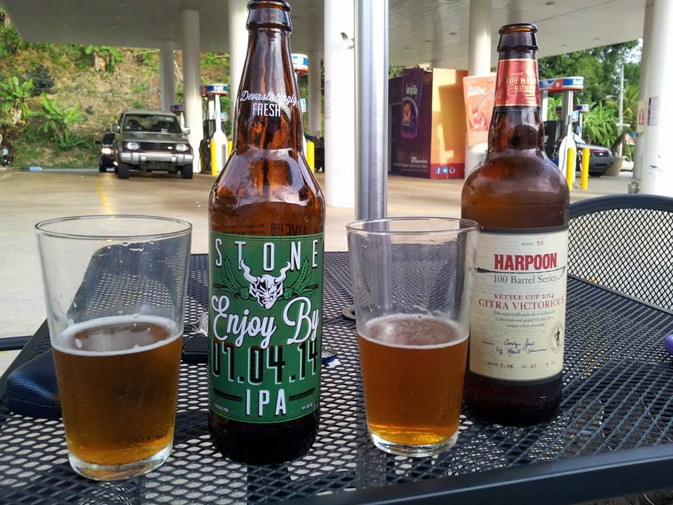 Enjoy By 07.04.14 y Harpoon 1000 Barrel Series Citra Victorious vía Edwin Avila en Facebook