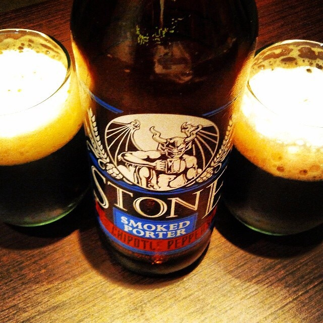 Stone Smoked Porter with Chipotle Peppers vía @valdorm en Instagram