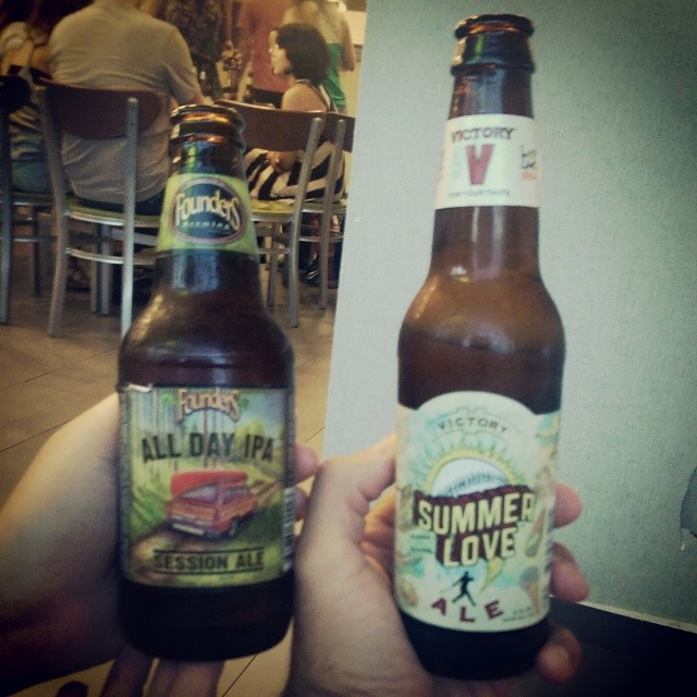 Founders All Day IPA y Victory Summer Love vía @ebra09 en Instagram