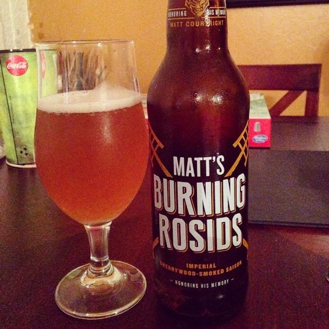 Stone Matt's Burning Rosids Cherrywood-Smoked Saison vía @dehumanizer en Instagram
