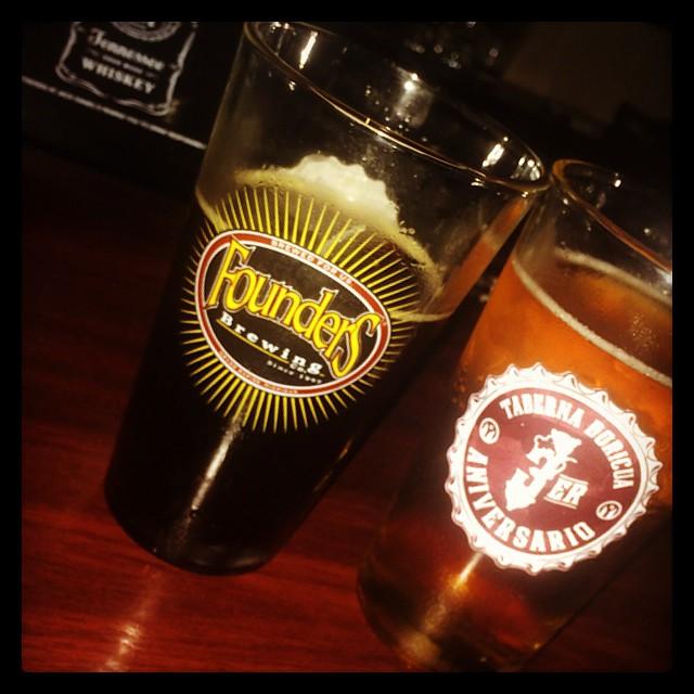 Fonders Backwoods y Harvest Ale vía @justlissy en Instagram