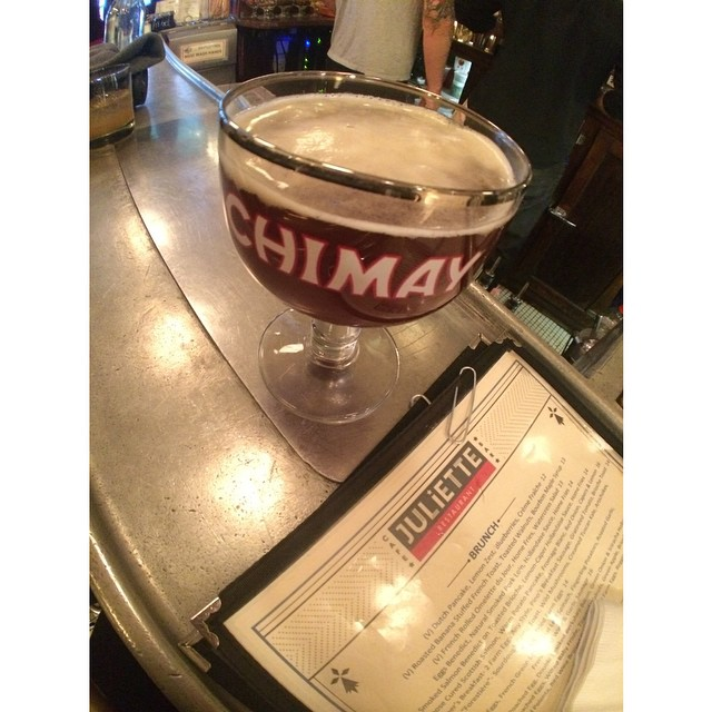 Chimay Red vía @desi_lani en Instagram