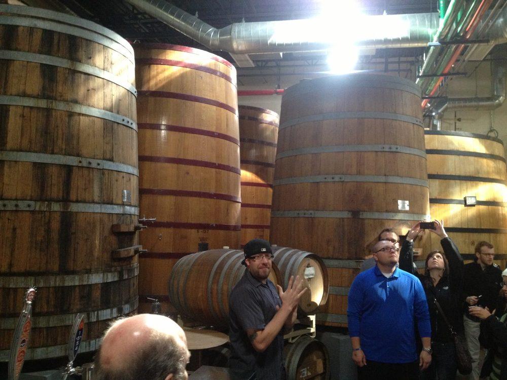 Foto: Syldia Lynn | Cuarto de barriles de fermentación en New Belgium Brewing