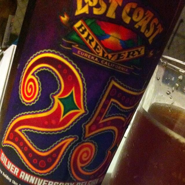 Lost Coast 25th Anniversary Ale vía @apaman8 en Instagram