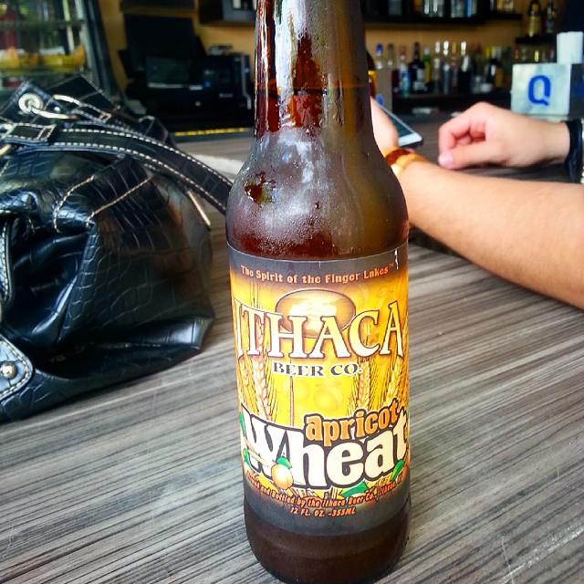 Ithaca Apricot Wheat vía @emekatreberesei en Instagram