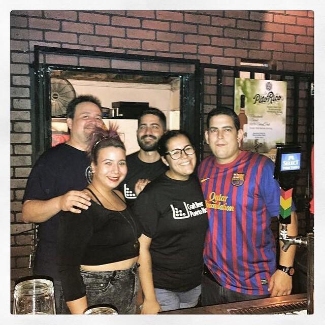 Bartenders en el aniversario de Taberna Boricua