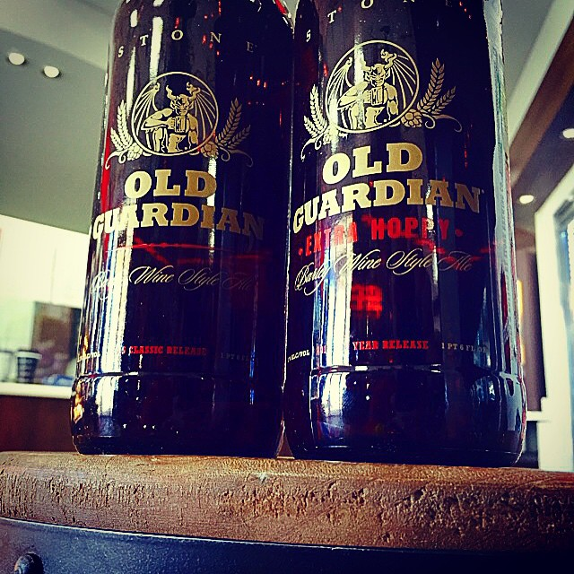 Stone Old Guardian Barleywine y 2015 Odd Year Old Guardian Extra Hoppy vía @shell65infanteria en Instagram
