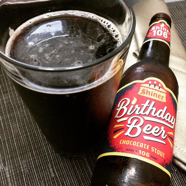 Shiner Birthday Beer Chocolate Stout vía @lmv30 en Instagram