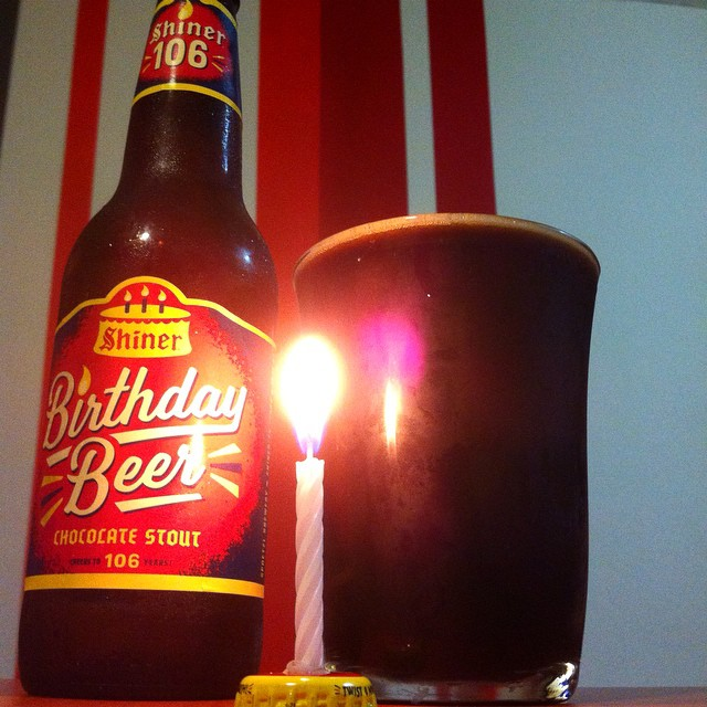Shiner Birthday Beer Chocolate Stout vía @apaman8 en Instagram