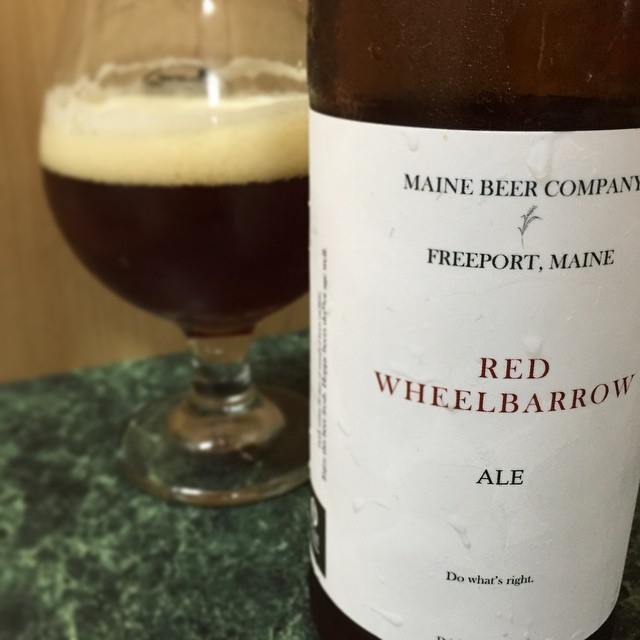 Maine Bee Company Red Wheelbarrow Ale vía @j_sanmurphy en Instagram