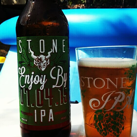 Stone Brewing Enjoy By 07.04.15 vía @cracker8110 en Instagram