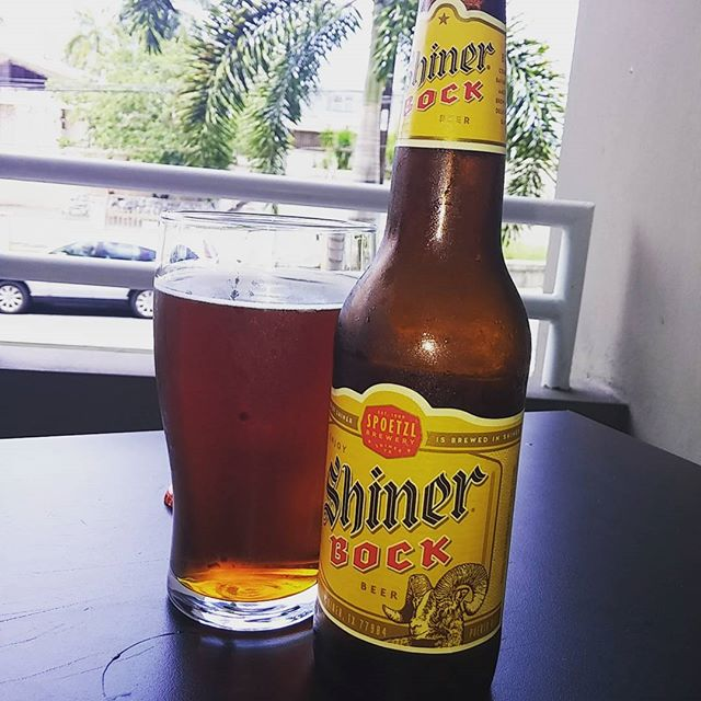 Shiner Bock vía @litoqc en Instagram
