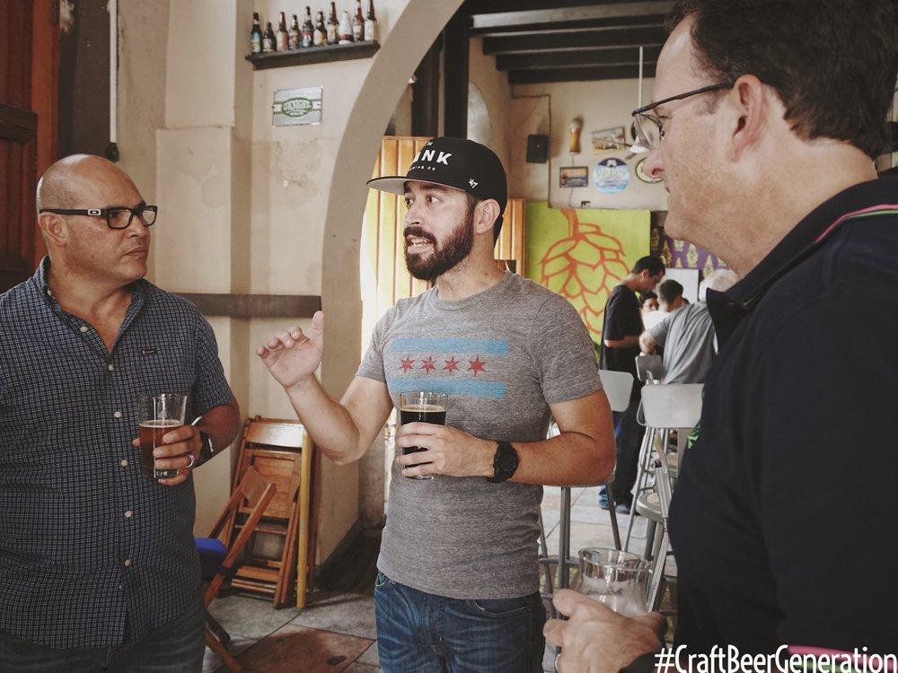 Deizquierda a derecha: Humberto Díaz, Key Account Support de Ballester Hermanos, Gustavo Franceschini de Craft Beer Generation y Alejandro Ballester, Presidente de Ballester Hermanos.