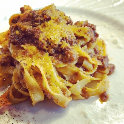 Long pasta bolognese