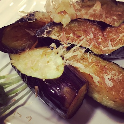 Aubergine with bonito flakes