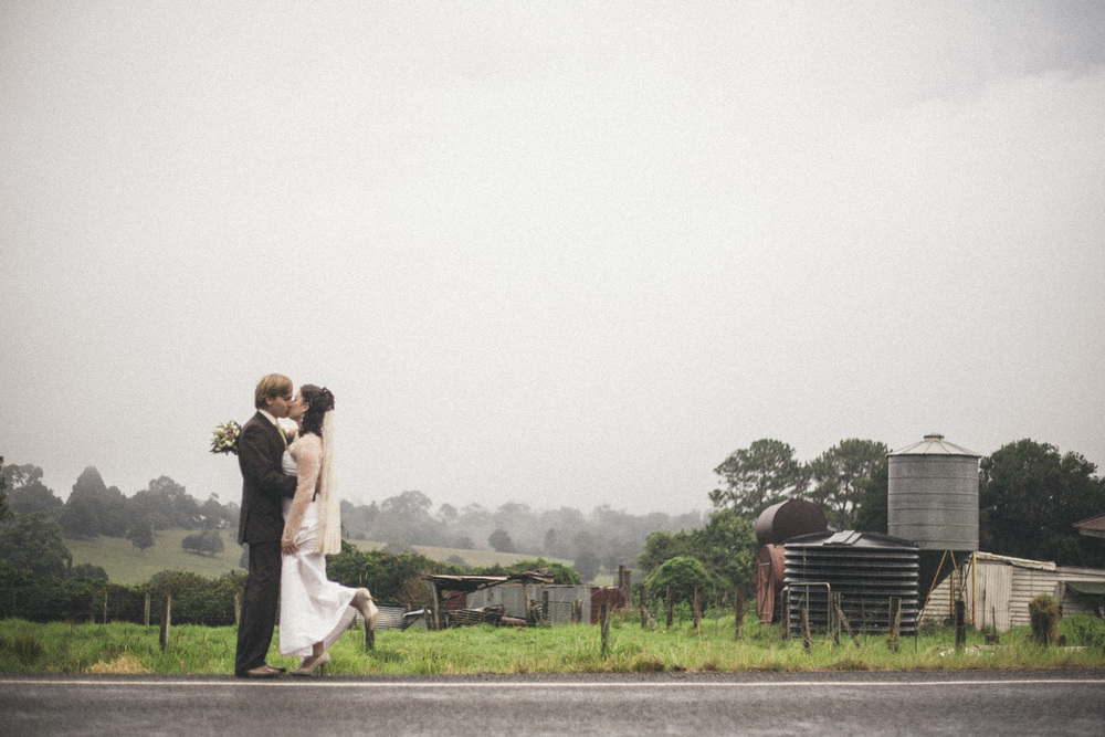 rainy wedding photos  |  brisbane wedding photography  |  fuschia photography