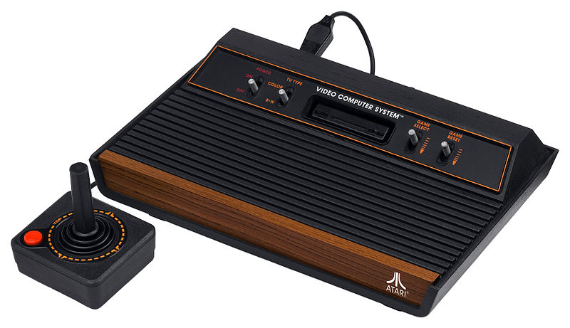800px-Atari-2600-Wood-4Sw-Set.jpg