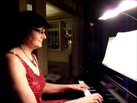 Sharon Planer performs Christmas music