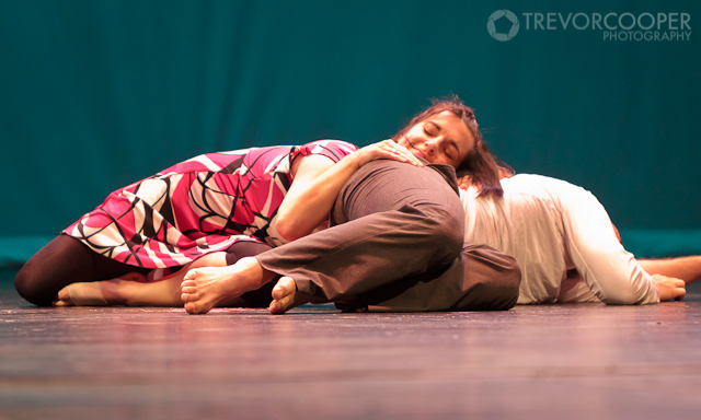 Bradley Lundberg & Rayna Stohl performed a powerful contemporary dance duet.