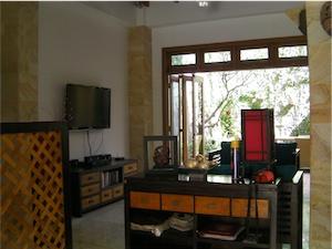 lounge resize2.jpg