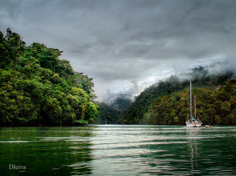 Photo of the Rio Dulce from Flickr, by Domingo Leiva.