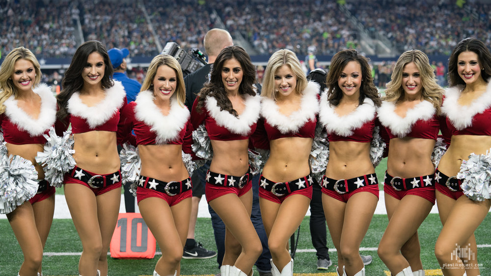 20171224_DalvsSea_cheer_Group2.jpg