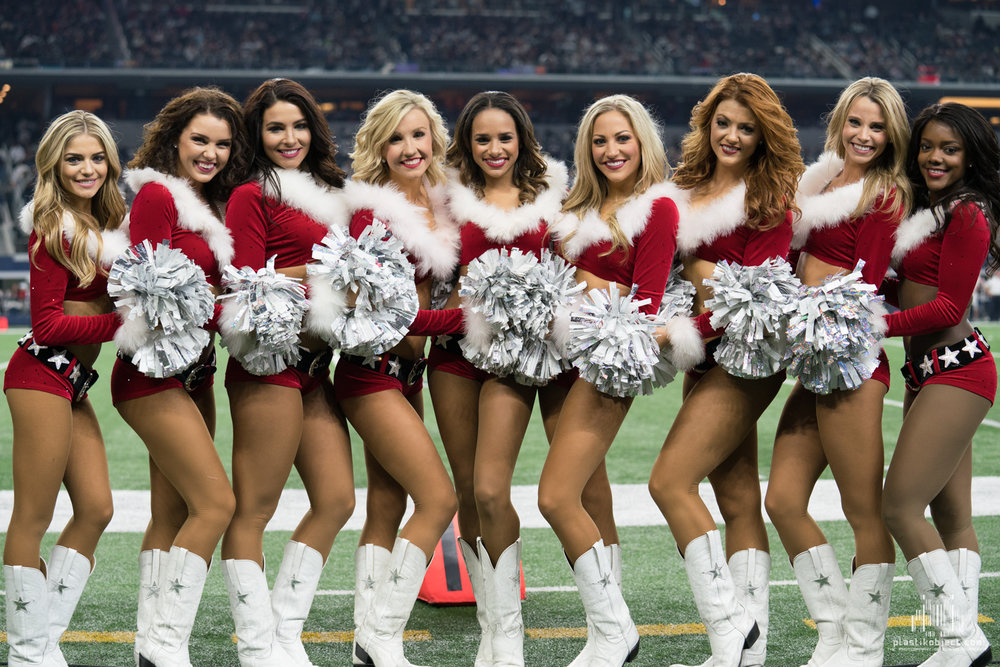 20171224_DalvsSea_cheer_Group4.jpg