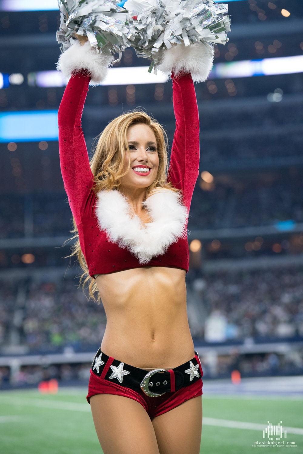 20171224_DalvsSea_cheer_Savannah-5.jpg