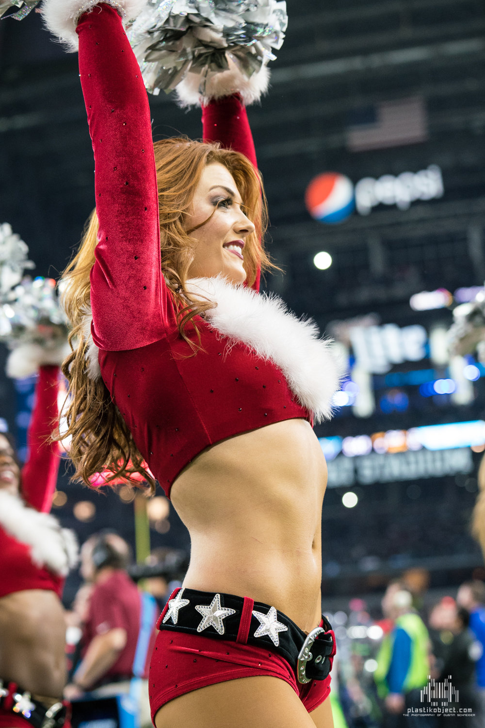 20171224_DalvsSea_cheer_Stephanie-3.jpg