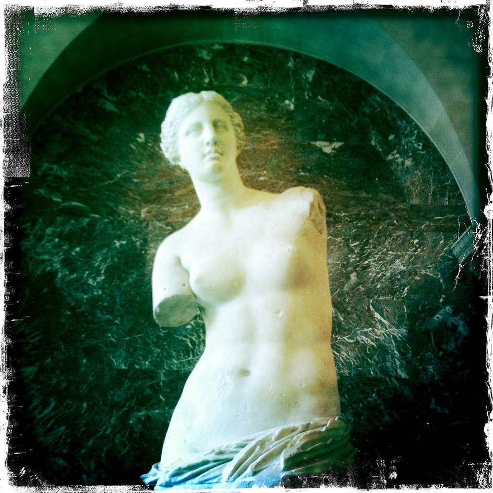 Photo below: Venus de Milo (Louvre, Paris), by Barend Jan de Jong (iPhone 3GS with Hipstametic App).