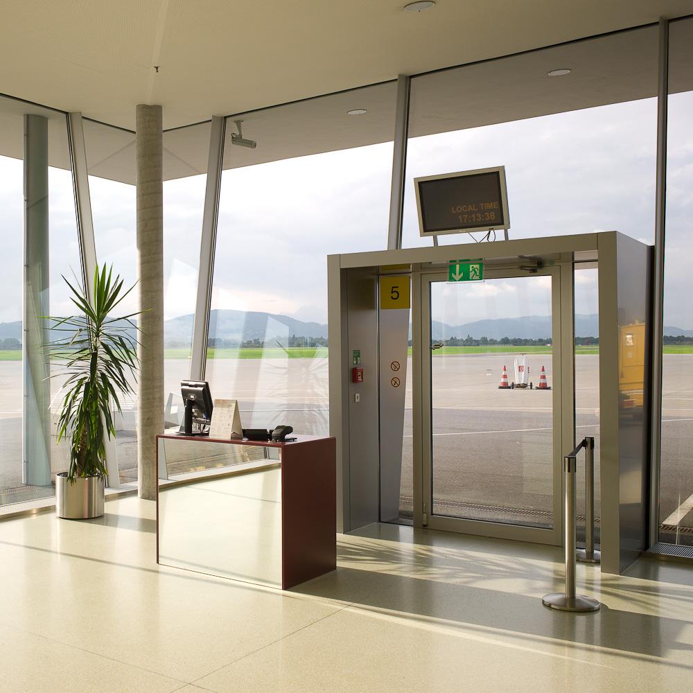 Photo: Flughafen Graz, by Barend Jan de Jong (Leica M9, Summicron 28mm).