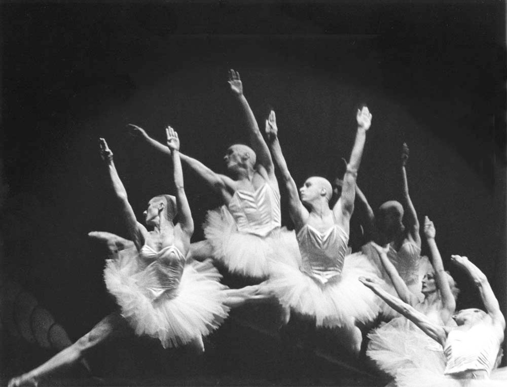 Photo: Mats Ek, Swan Lake, Cullberg Ballett, copyright Gert Weigelt.