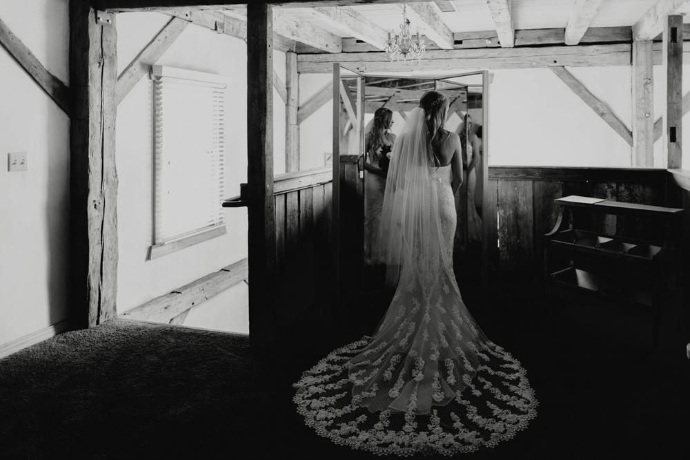 PaulSimonPhotography-Melody+Ryan-ShenandoahMillWedding-19.jpg