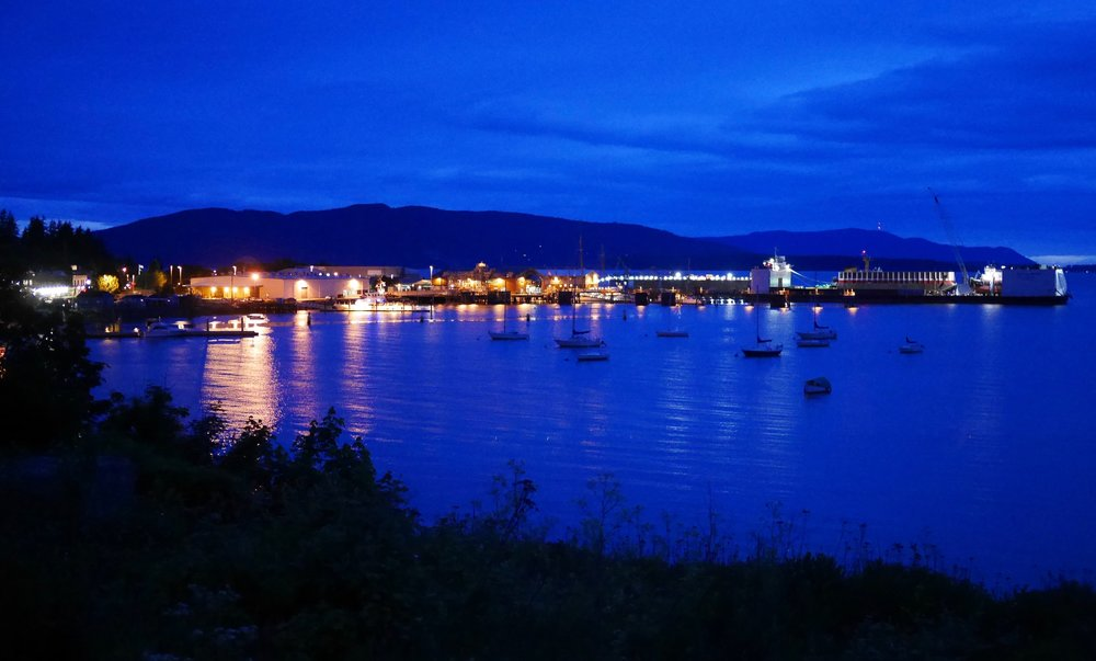 - After a great evening with an engaged group at Village Books we took a long walk along the bay in Bellingham. This town has seduced us several times, such a beautiful place.