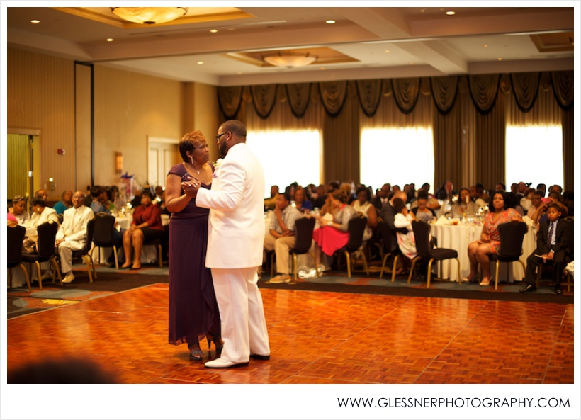 Leah+Chris-Wedding-Glessner Photography_0008.jpg