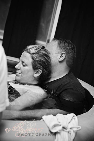 Katie Water Birth Connor James (14 of 229).jpg