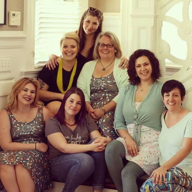 Our group photo changes every few years when our beloved sisters move away or change life paths. The progression of strong ladies who have made up the Barefoot Fam since 2008 is nothing short of fierce.  We can't wait to see all of you this Sunday to celebrate 10 years of this Barefoot Fam growing and changing right along side of your own families! This throwback to our client reunion circa 2016...#midwife #midwifery #tampa #tampabayhomebirth #homebirth #tampabay #doula