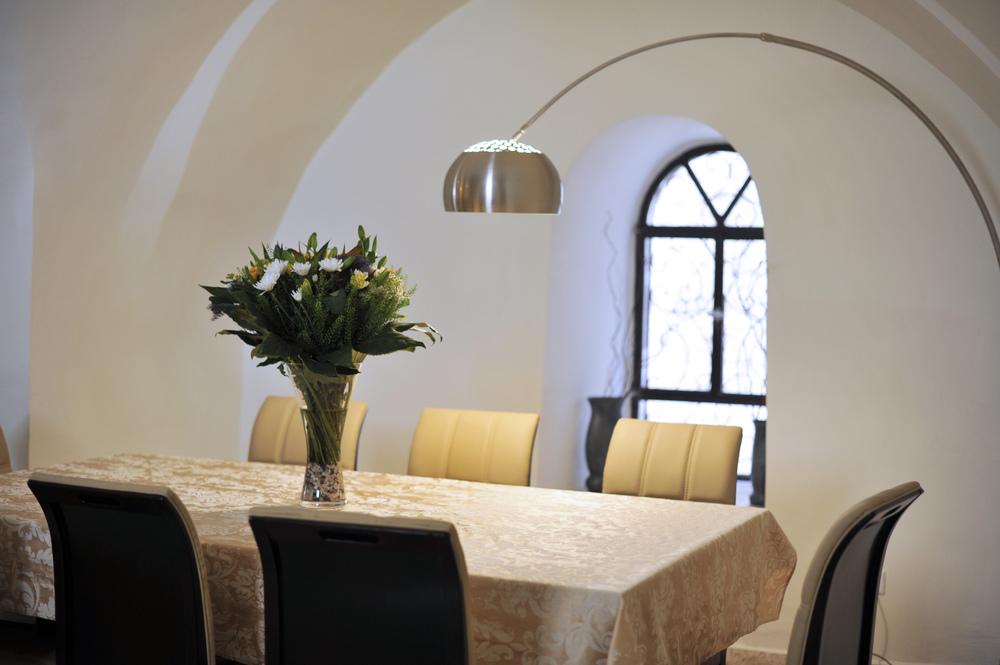 10 - Dining Room.JPG