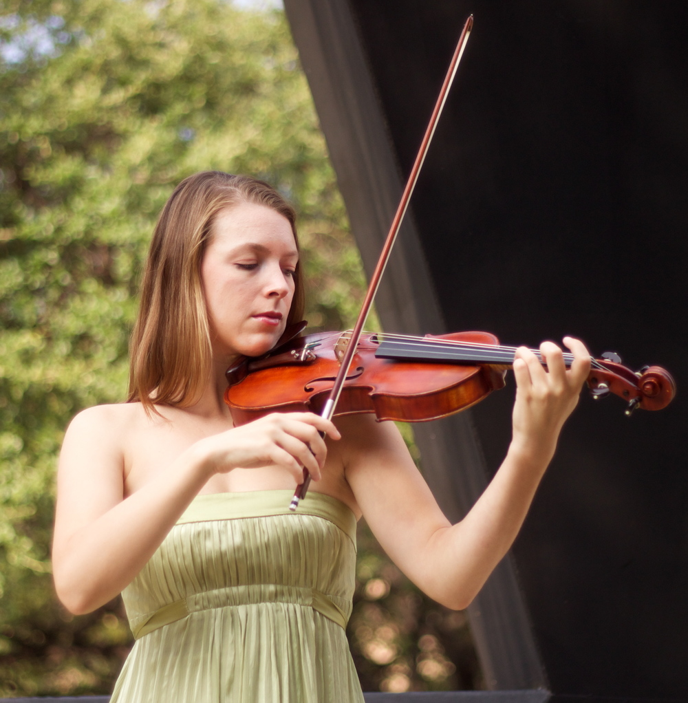Rose Sciaroni, Violin