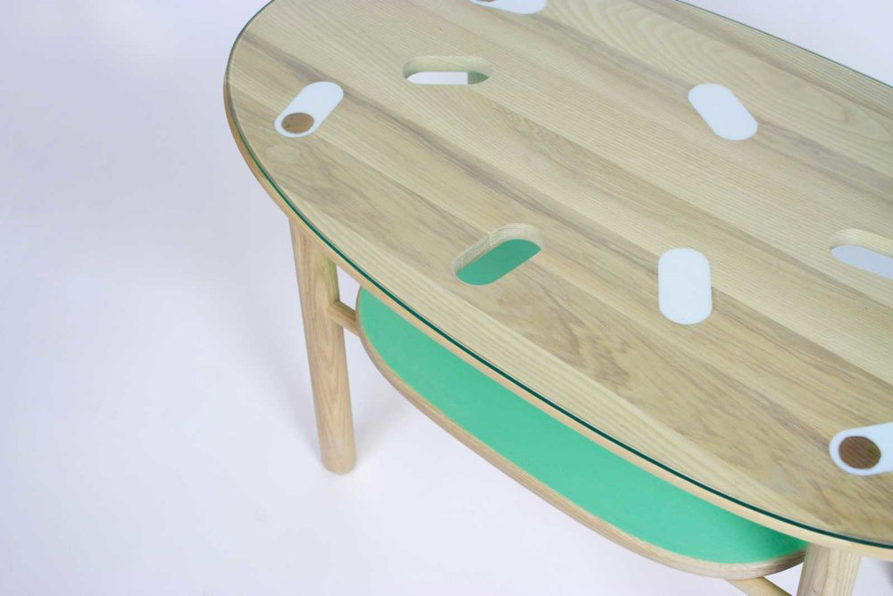 gum table & accessories