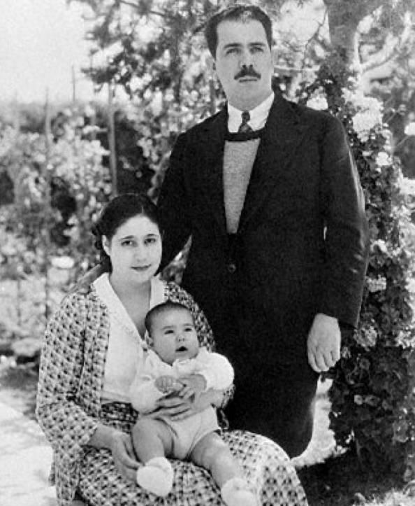 Lázaro Cárdenas, Doña Amalia Solórzano y Cuauhtémoc Cárdenas