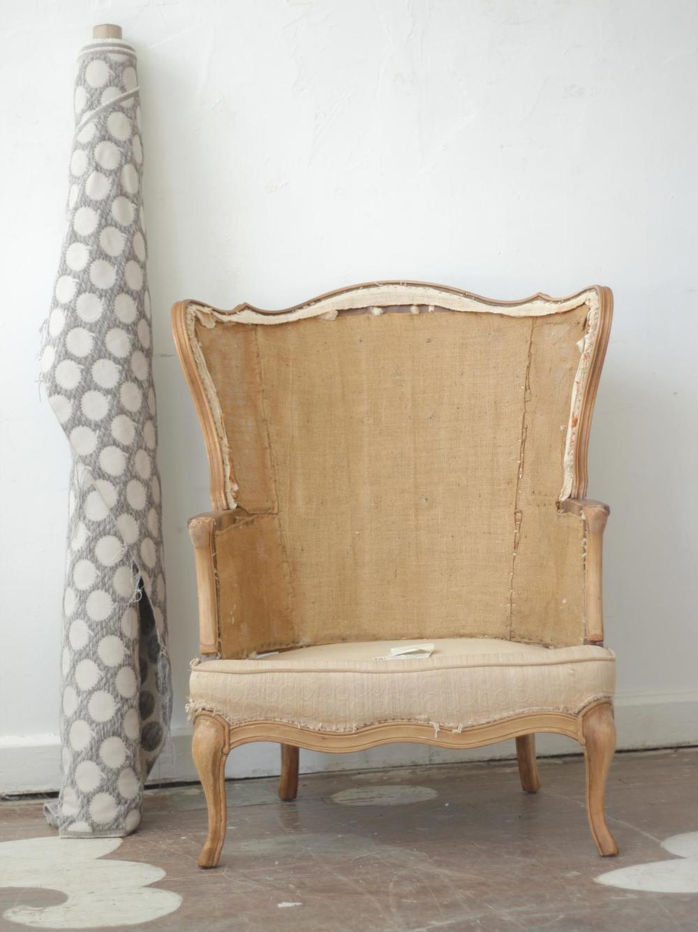 Original_Jeanine-Hays-Uphostery-Story-Furniture-Before-Wingback-7489_v.jpg.rend.hgtvcom.1280.1707.jpeg