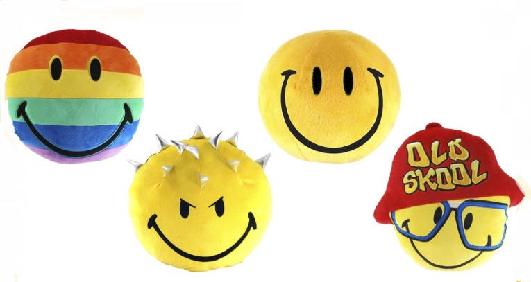 #96150 SMILEY PILLOW.jpg