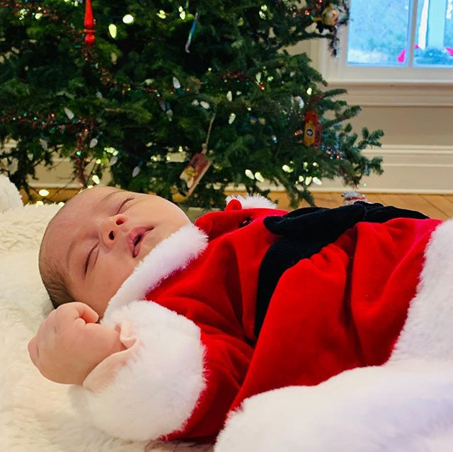 Oh, what a Happy Christmas it is! 🎄 #happychristmas #newborn #babygirl #joy #santababy