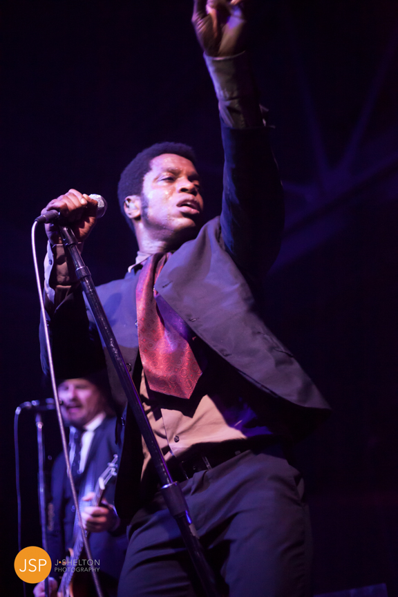 VintageTrouble_VanguardTulsa_29May13_web-127.jpg