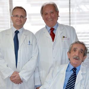De izquierda a derecha. Los doctores  Fernando Álvarez ,  Enrique Rodríguez Boronat  y  RamónViladot